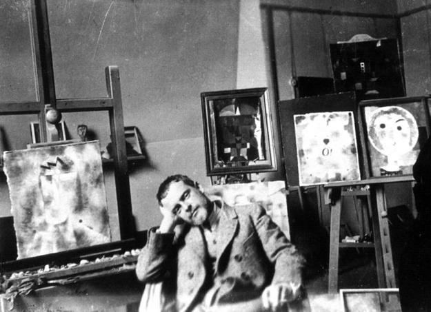 Paul Klee nel suo studio