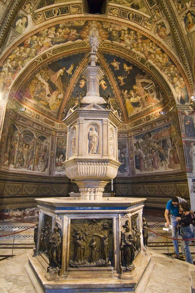 Fonte Battesimale Siena