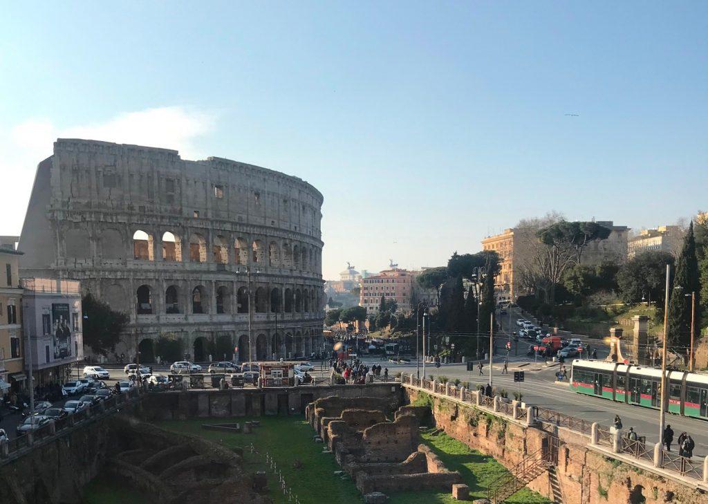 Il colosseo da palazzo Manfredi