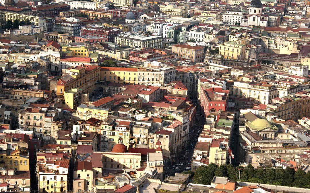 Naples et ses quartiers: Via Toledo et les Quartiers Espagnols