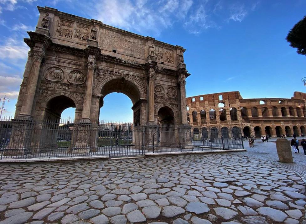 Arco di Costantino e Colosseo - photo by @ratusil